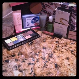 Full size & sample size beauty items